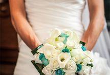 Ramos y bouquets de novia con rosas de madera / Fotos de ramos y bouquets de novia con rosas de madera, mezcladas con flores naturales.