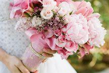 Bukiety: odcienie jasnego rozu / by Pretty Wedding