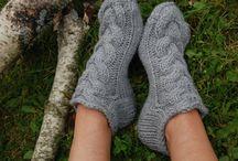Tricotando e crochetando