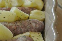 Pomme de terre et saucisses au four