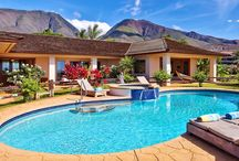 MAKENA HOKU LUXURY RENTAL / Experience luxurious accommodations at this stunning five-bedroom and four-bath villa located in #Lahaina, on the beautiful valley isle of Maui! The main home can accommodate up to six guests and the detached two-bedroom cottage can fit an additional four guests making it a perfect fit for a couples retreat, holiday getaway, or family vacation! Start planning your perfect escape and book your favorite Hawaiian villa with us today!