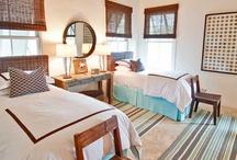 guest rooms & bunk rooms / by Elizabeth Waynick