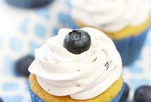 Cupcakes & Muffins / by Linda Romero