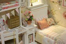 Спальня для кукольного домика