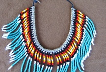 Indian patterned necklaces / Indián mintás nyakláncok.