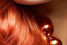 vöröshaj és smink