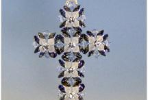 Kříže z korálků