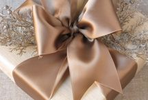 Holiday Gift Wrapping / Wrapping a gift can sometimes be the best part of it.  From simple to elaborate, you can make it your own.