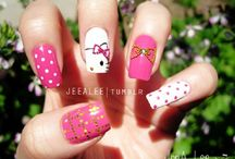 Hello Kitty Nail Art Designs / Hello Kitty nail art brings out the kid in me.