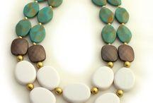 Collar turquesa y dos colores mas