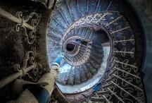 Abandoned Stairs / escaliers abandonnés