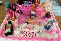 21st / Pink & Gold theme/DIY Photobooth/ vintage flowers, feather, dreamcatchers decorations/house party/drunk barbie cake