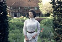 AT HOWARDS END