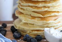 Breakfast & Brunch / by Frances Smyrniotis