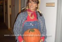 Showing Off Pregnant Bellies for Halloween