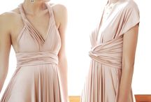 Ivory & Neutral Bridesmaids / Beautiful bridesmaid dresses in ivory and neutral colours.