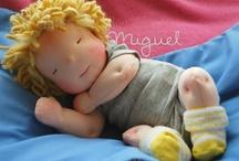 bonecas e bichinhos de tecido