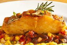 Peixes e Frutos do mar ♨ Fish Recipes / by Portal Casa.com.br