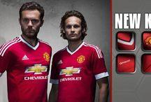 Jersey Baru Manchester United / 1 Agustus 2015, Manchester United resmi memperkenalkan jersey baru mereka untuk kompetisi Liga Inggris musim 2015/2016. Cek...> http://ids.fm/Pn7SDkwY