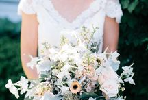 Floral Friday: Kelly's Garden Inspired Wedding / Happy Floral Friday! The studio is buzzing with excitement as we get ready for another busy wedding weekend! Loving Kelly's airy garden styled wedding!