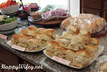 Feeding a Crowd / Recipes and party ideas for entertaining large groups!