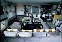 Black and Silver Living Room Ideas / Black and silver living room decor ideas including rugs, sofas, walls, mirrors and lighting.