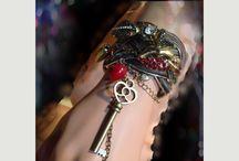 Friend Heathers Jewelry / by Maria Kuhn