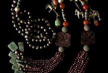 bijoux en perles de rocaille et pierres semi-precieuses