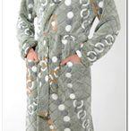 Мужской трикотаж / Коллекции мужской трикотажной одежды: халаты, пижамы, толстовки, спортивные костюмы