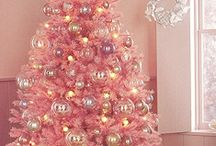 A Christmas that glitters and twinkles / by Aimee Moore Cogdill