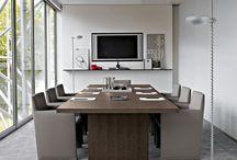 Office / Todo lo concerniente a tu lugar de trabajo. Sala de reuniones, cafetería, oficina, recepción, etc. / by Vanessa Gonzalez