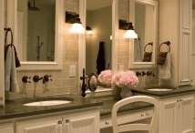 Bathrooms / by Mary Maiers