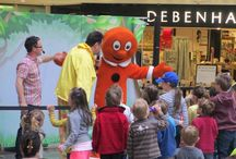 Easter Fun At Woking Shopping / Easter fun with Alex Winters and The Gingerbread Man!