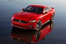New Mustang / Ford heeft de nieuwe Mustang gepresenteerd. Dit is de eerste Mustang die na vijftig jaar van productie in Europa op de markt komt. De auto wordt hier leverbaar met de 5.0 V8 of met de nieuwe 2.3 EcoBoost.
