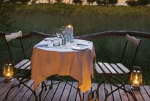 Private (romantic) dinner on deck / Magic in the bush topic - images and links of private and romantic dinners offered at lodges
