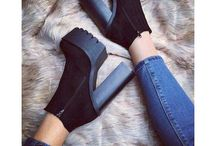pair of shoes❤