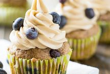 food / cupcakes