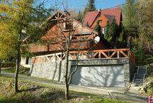 BETAFENCE: Dom gabionowy w Szczyrku / Na ścianach domu zamontowano kosze gabionowe wypełnione lokalnym jasnym piaskowcem. Rozwiązanie nie tylko ozdabia budynek, ale także zapewnia mu dodatkową izolację.