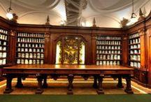Visita guidata Farmacia degli Incurabili / Domenica 12 aprile visita guidata alla Farmacia degli Incurabili con aperitivo Contributo 15€ a persona Prenotazione obbligatoria 3292885442 - 3288447450 - curiocitytour@libero.it  #napoli #visitaguidata #aperitivo
