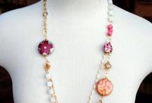 colliers & bracelets / by Renée Lafreniere