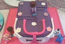 Cakes 4 u by Julz / Cake maker and wedding planner