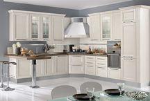 La mia casa è un classico / Ami lo stile classico per la tua casa? Scopri i prodotti Mondo Convenienza adatti a te.