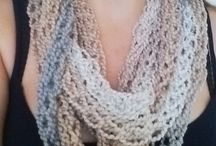 lana con le dita