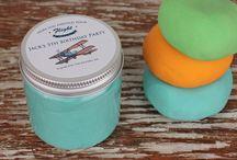 Kids Party Favor Ideas / Kids Party Favors, Play Dough Party Favors, Cupcake Mix Party Favors
