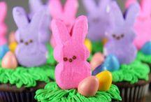 Cupcakes / by Kim Dickinson