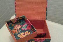 Caixas de bijuteria / Caixas em cartonagem,  revestida em tecido 100 % algodão.