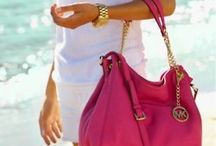 Bags / by Emanuelle Missura