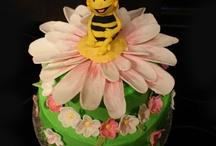 Maya the bee cakes