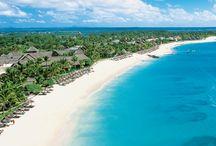 CONSTANCE HOTELS / Hoteles en Isla Mauricio, Seychelles y Maldivas. Puestas de sol en las que el tiempo se detiene: arena blanca, fondos de coral, paisajes selváticos, gastronomía especiada acompañada de los más selectos vinos… 'Inspirados por la PASIÓN':