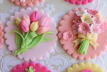 Варианты украшения кекс